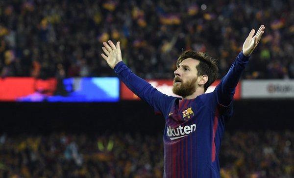 Messi, el emblema que hoy cumple 20 años en Barcelona