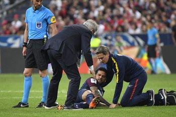 El momento de la lesión del lateral brasileño<br>