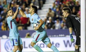 Luis Suárez, marcó de penal, pero no alcanzó para ganar a Levante<br>