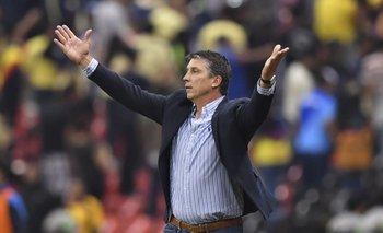 Siboldi, su equipo los Tiburones Rojos de Veracruz, cayeron 9-2 ante Pachuca