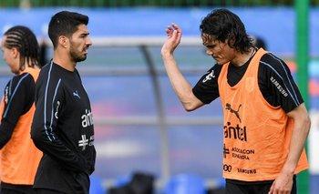 Suárez y Cavani durante el entrenamiento de la selección