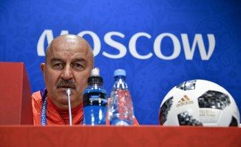 Cherchésov en la conferencia previa al debut de Rusia