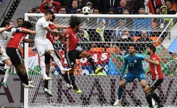 El salto de José María Giménez y el gol de Uruguay