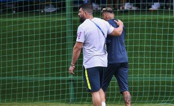 Neymar se retira rengueando de la práctica