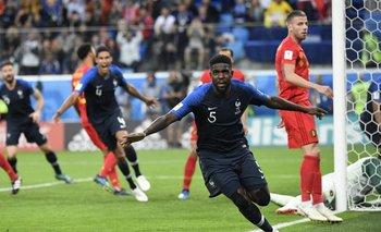 Umtiti festeja su gol, el del triunfo francés.