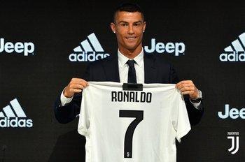 3891a74158d66 Juventus ya pagó la mitad de Cristiano con venta de camisetas