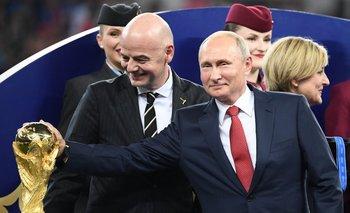 Gianni Infantino y Vladimir Putin