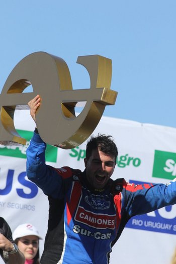 """<div> Además de una victoria enorme, Mauricio Lambiris se quedó con """"el Millón""""</div>"""