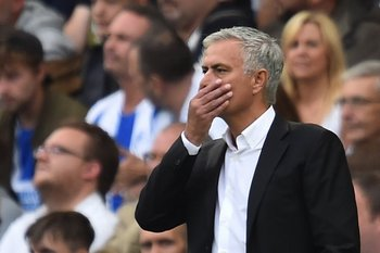 Mourinho sufrió su primera derrota en la Premier en la segunda fecha