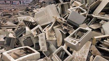 Un tiradero de desechos electrónicos