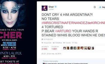 """""""¿No lloras por él Argentina? No hay lágrimas de Cristina Fernández de Kirchner por las torturas al oso polar Arturo. Sus manos estarán manchadas de sangre cuando él muera"""", tuiteó Cher"""