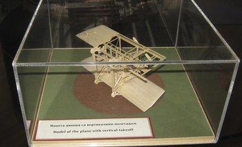 Un modelo de avión con despegue vertical que Tesla registró como su patente en 1928, a los 72 años de edad, y que permanece guardado en el Museo de Nikola Tesla en Belgrado