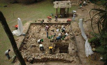 Esta es la plataforma A-24 de Ceibal, donde se encontró el monumento más antiguo de las tierras bajas maya