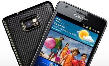Samsung adapta su smartphone Galaxy S II para captar a las empresas