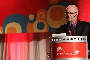 """""""Lacnic: construyendo innovación por medio de la estabilidad técnica e institucional"""", fue la charla que brindó Steve Crocker, presidente del directorio de ICANN, en Montevideo"""