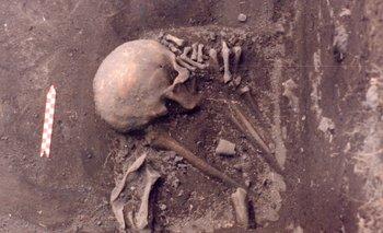 El esqueleto 20 del sitio CH2D01-A, en Rocha, perteneciente a una mujer portadora del linaje mitocondrial C1d+16288 que vivió hace 1600 años