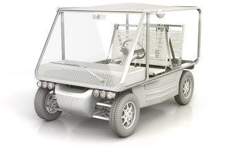 El auto cuenta con frenos de cuatro discos y  transmisión de tracción delantera con caja de cambios diferencial