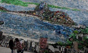 "El collage gigante ""Proyecto paisaje"", del artista brasileño Vik Muniz"