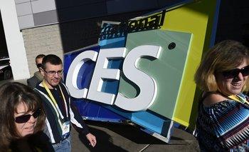 Visitantes llegan a la feria tecnológica CES 2016 en Las Vegas