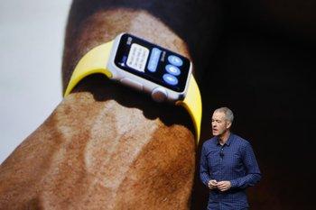EL COO de Apple, Jeff Williams, anuncia el Apple Watch Series 2