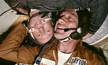 Deke Slayton y el cosmonauta ruso Aleksey A. Leonov